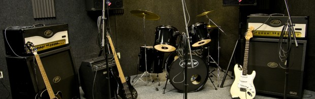 Maple Rehearsal Studios 39-45 Grainger Road Industrial Estate, Southend-on-Sea SS2 5DD 01702 613066 ‎